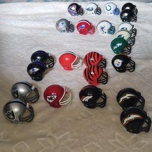 Riddell Other - Assortment of small nfl mini helmets
